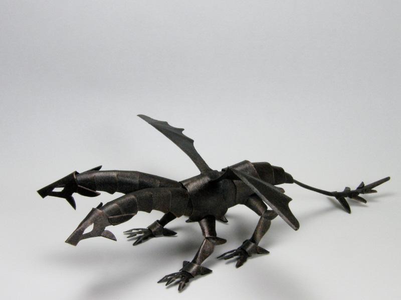 ファイバークラフト紙で作るドラゴン、塗装例