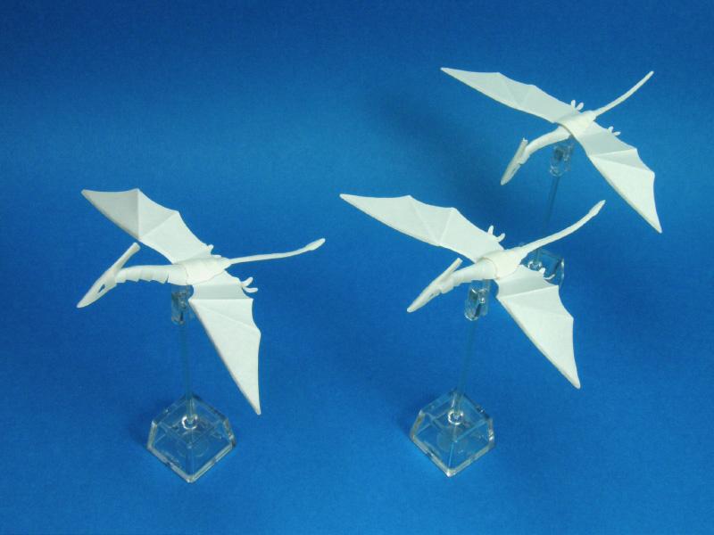 ファイバークラフト紙で作るミニ翼竜Ver.1とVer.2